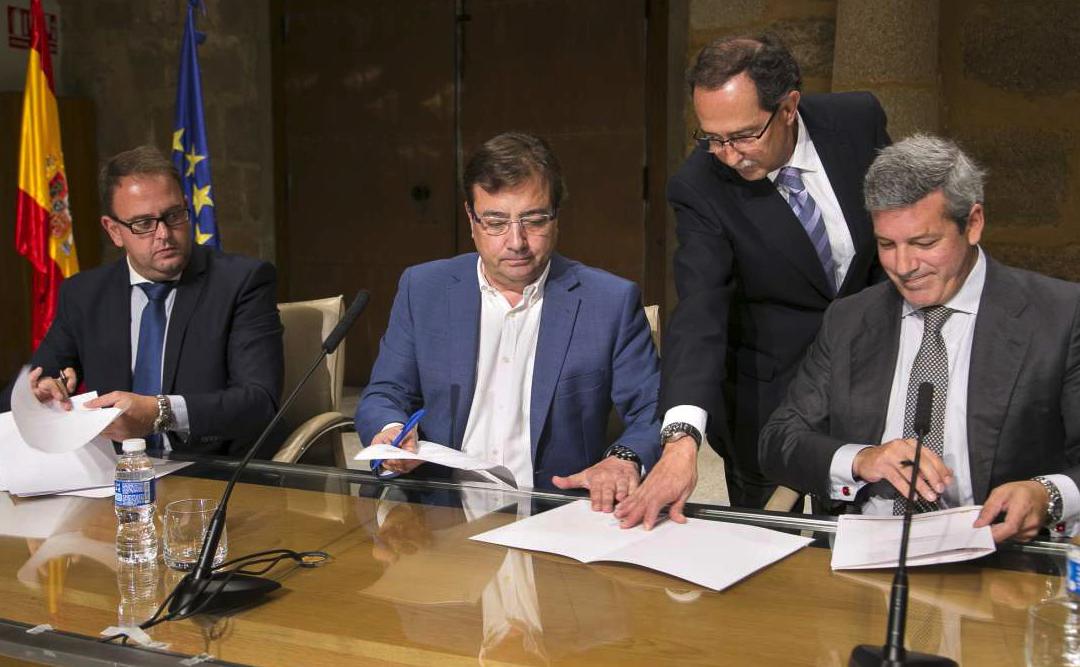 Firma del Convenio de Capitalidad Mérida 2015